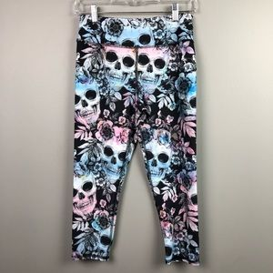 Evolution and Creation Skull Capri Leggings Medium